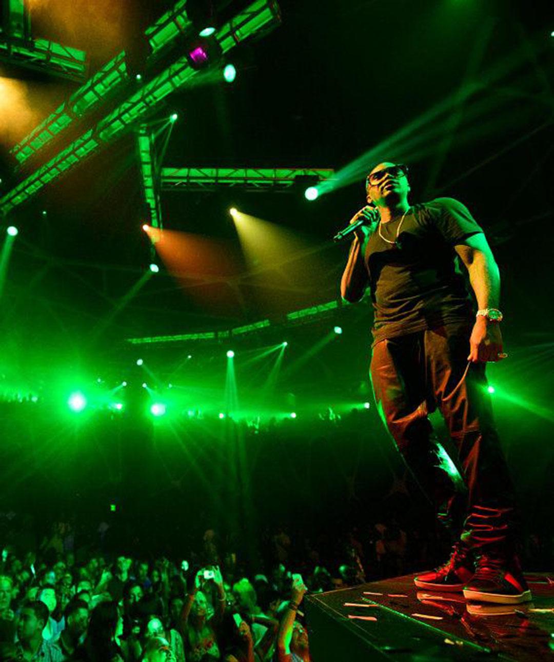 Nas_Performance-Crowd-Shot_Hakkasan-Las-Vegas-1080