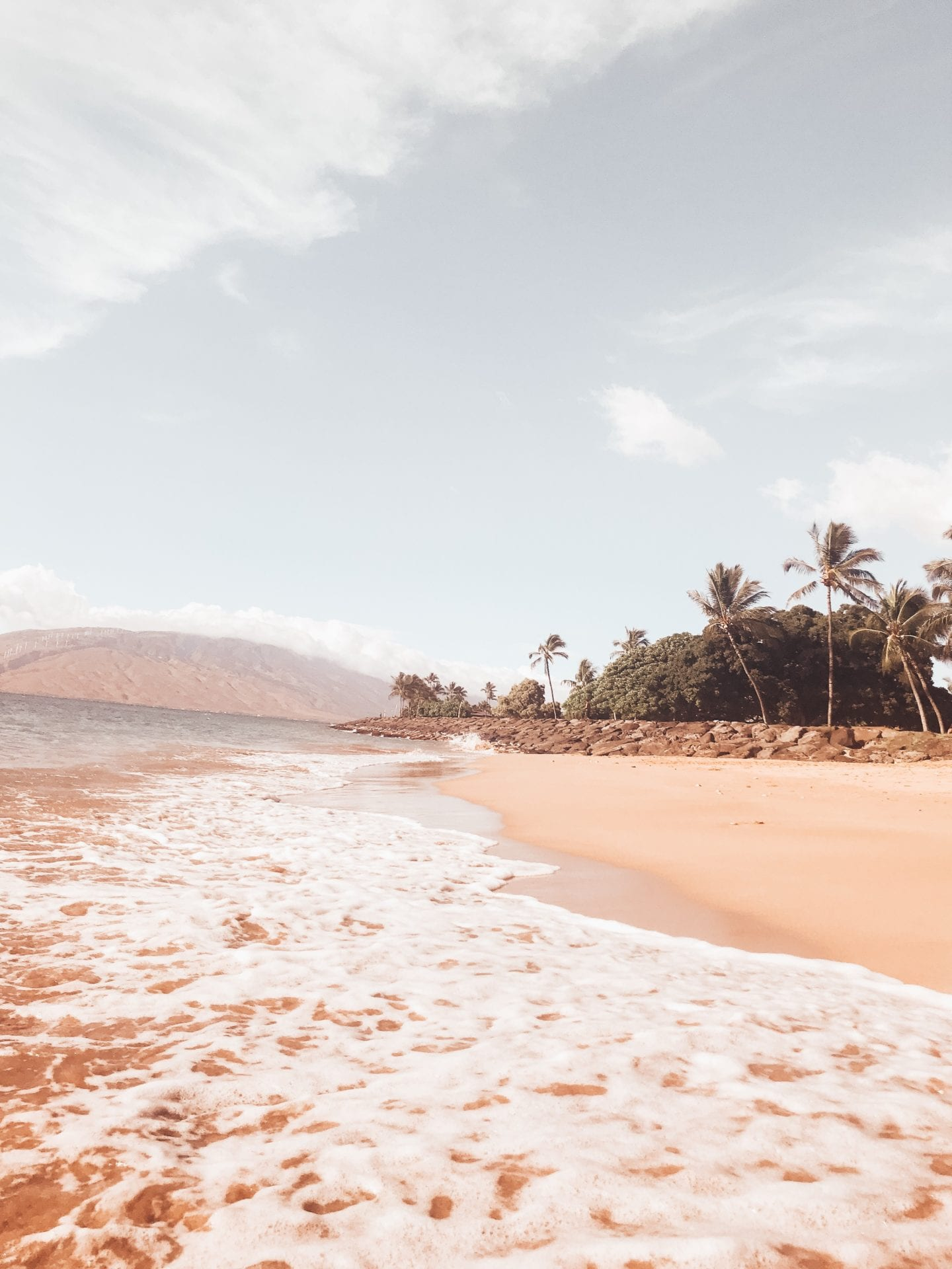 Hawaii Beaches I Maui travel guide I Hawaii Travel Guide I via justaddglam.com   Top Things to Do in Maui featured by top San Francisco travel blog, Just Add Glam: stroll along Maui beaches