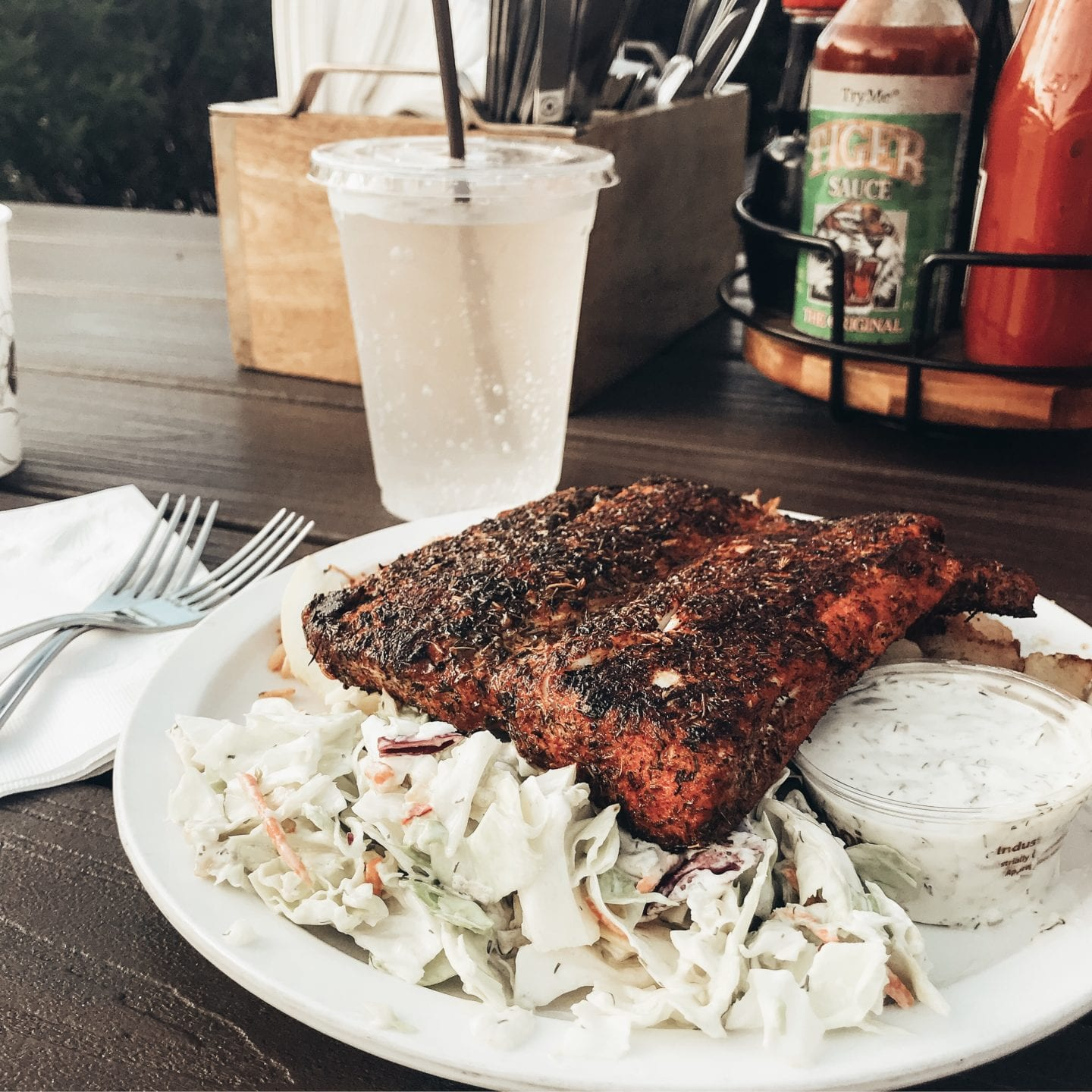 PAIA FISH MARKET I Maui travel guide I Hawaii Travel Guide I via justaddglam.com   Top Things to Do in Maui featured by top San Francisco travel blog, Just Add Glam: Paia Fish Market