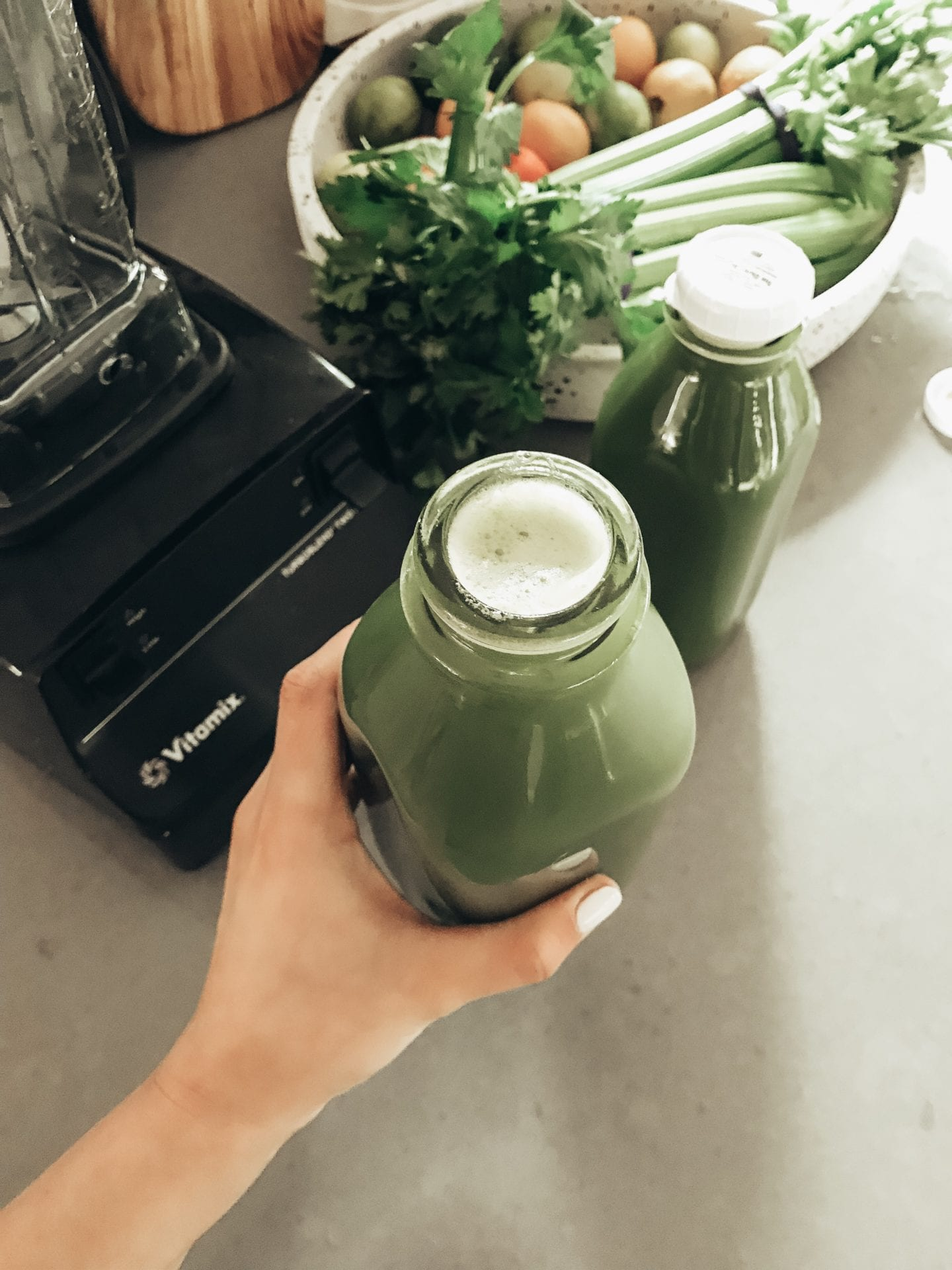 Celery Juice Benefits I Keto Diet I Juicing on the Ketosis Diet I Celery Juice I via justaddglam.com | Top 3 Celery Juice Benefits on the Keto Diet featured by top US lifestyle blog, Just Add Glam
