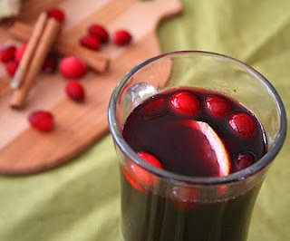 Keto Thanksgiving Recipes featured by top US lifestyle blog, Just Add Glam: cranberry ginger mulled wine