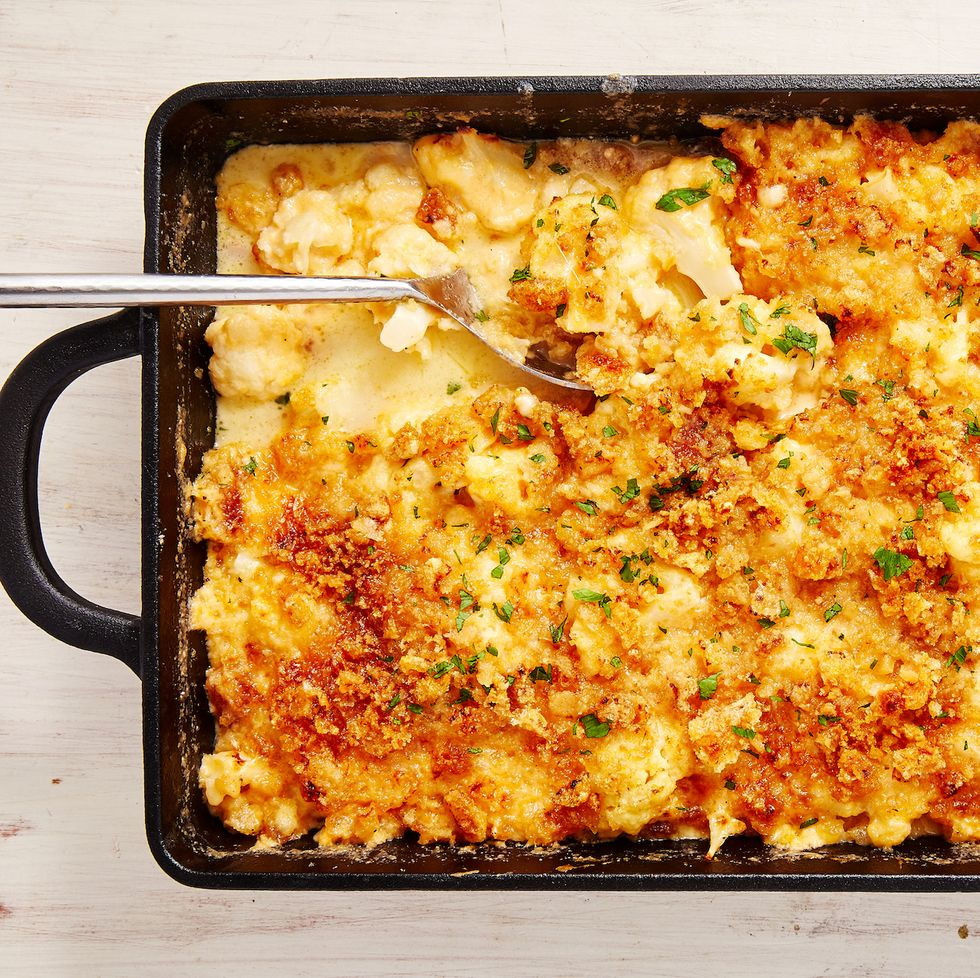 Keto Thanksgiving Recipes featured by top US lifestyle blog, Just Add Glam: keto mac n cheese