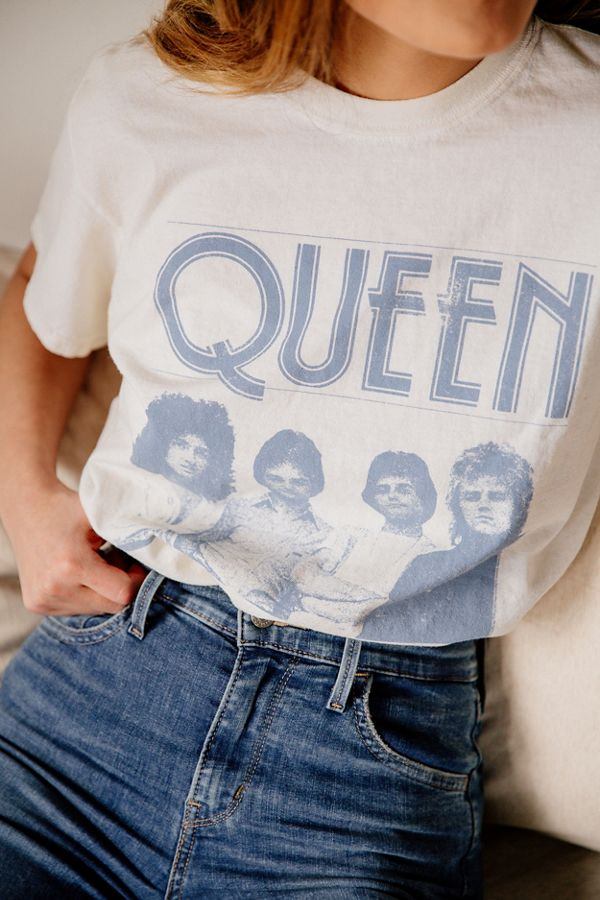 Queen Band Tee Just Add Glam | 30 BEST VINTAGE BAND TEES by popular San Francisco life and style blog, Just Add Glam: image of a vintage Queen tee.